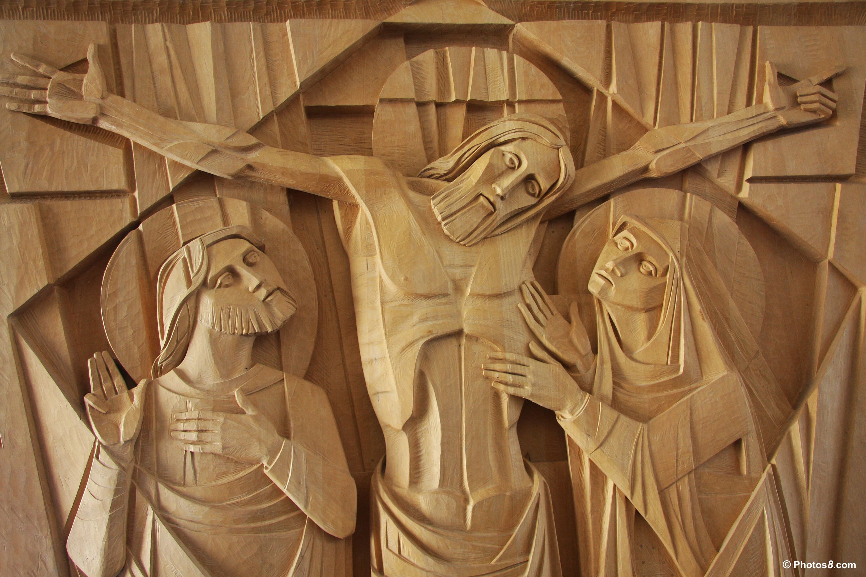 Jesuscrucifixiononwoodcarving-other